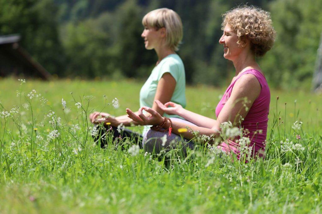 Meditation im Grünen