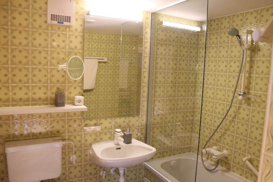 Einfaches Badezimmer Kleebauer Hof