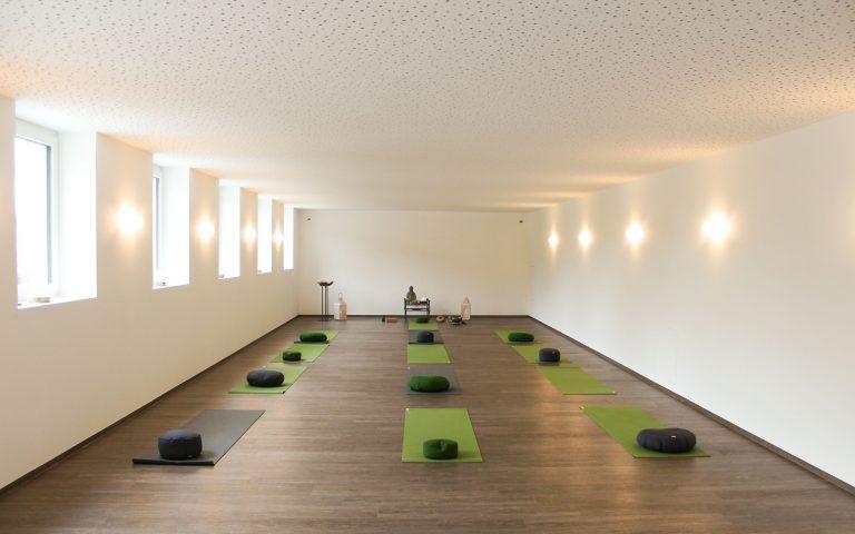 Großer Yogaraum im Erdgeschoß