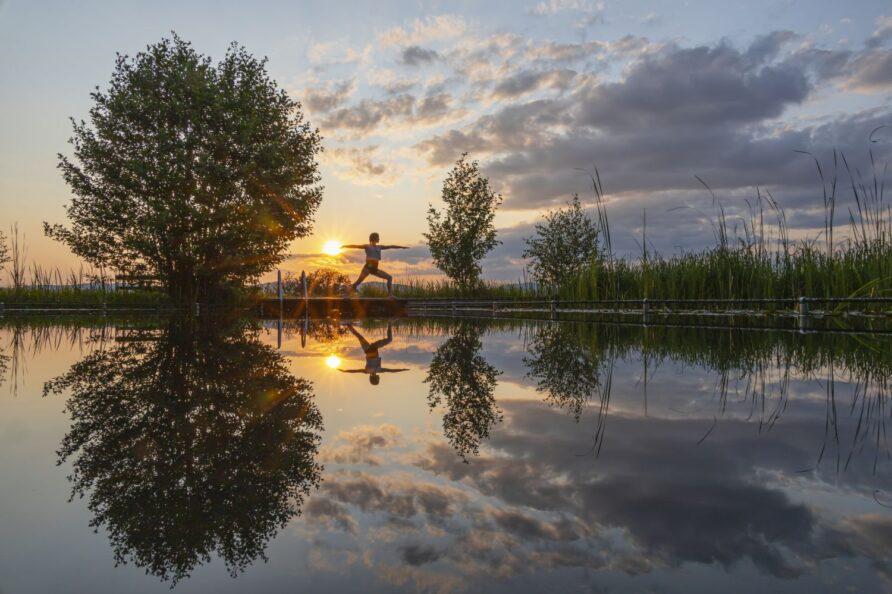 Yoga im Sonnenuntergang